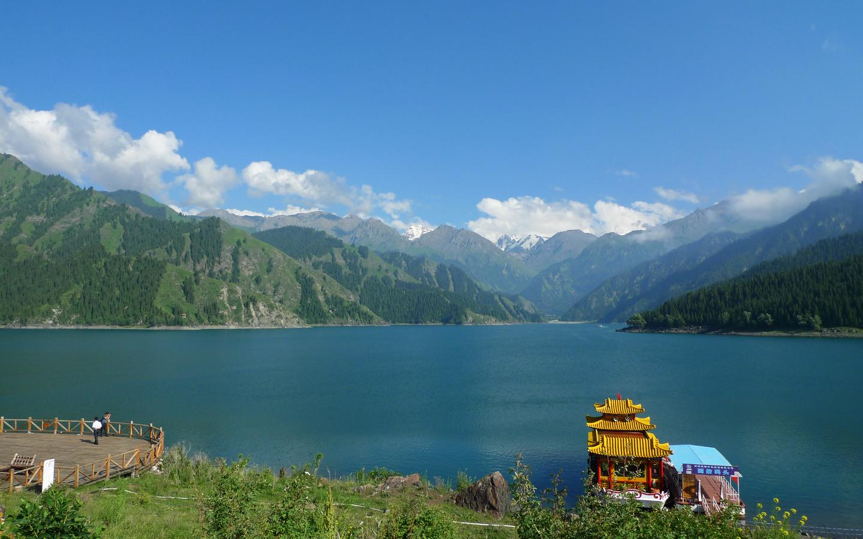 新疆天池旅游景点介绍