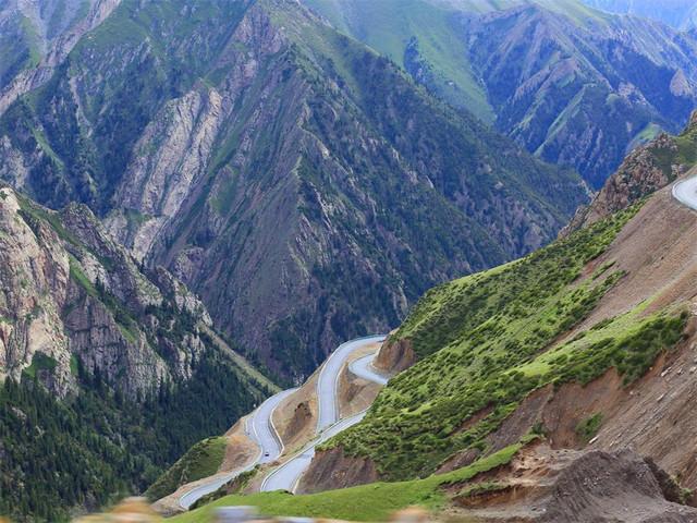 新疆最美公路---独库公路旅游公路
